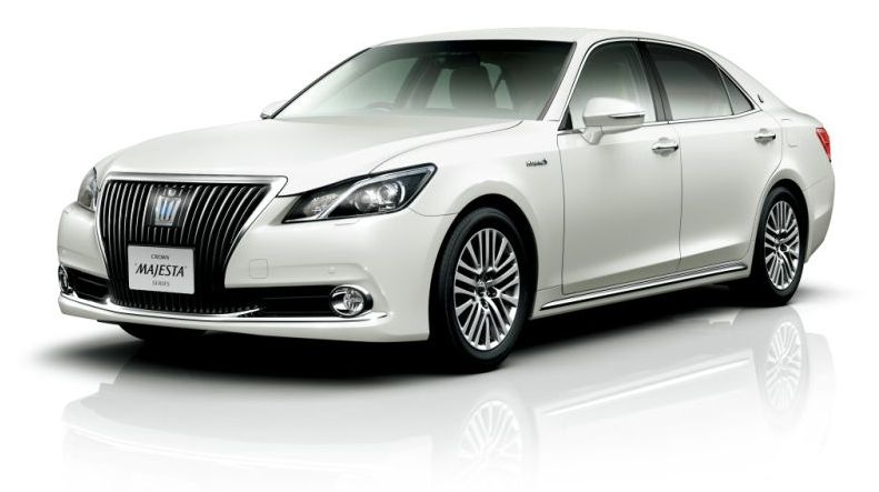 2013 Toyota Crown Majesta S21
