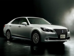 2013 Toyota Crown Majesta S21 silver