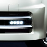 Nissan Cube Z12 AUTECH Rider LED daytime running lights