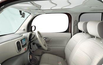 Nissan Cube Z12 interior 5