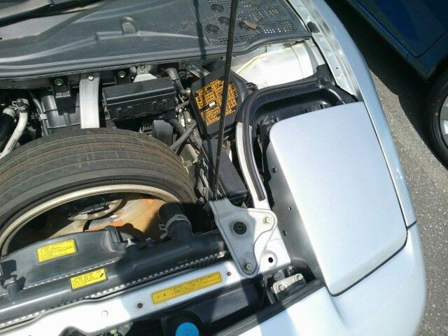 1992 Honda NSX coupe engine bay 2