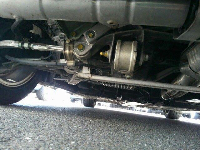 1992 Honda NSX coupe underbody 7