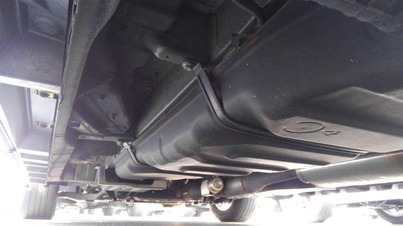 2012 Toyota Vellfire Hybrid ZR underbody 6