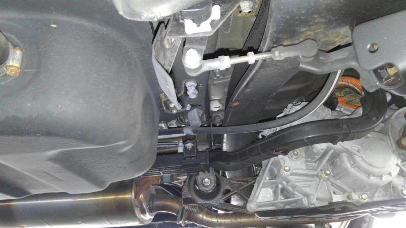 2012 Toyota Vellfire Hybrid ZR underbody 7