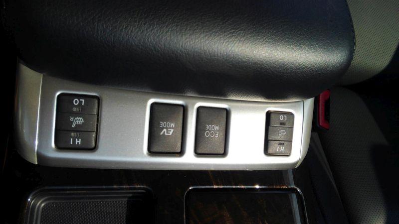 2012 Toyota Vellfire Hybrid ZR seat heater