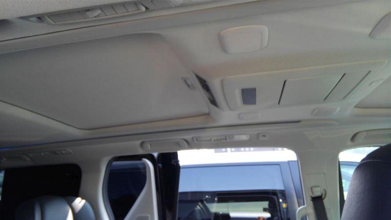 2012 Toyota Vellfire Hybrid ZR interior 9
