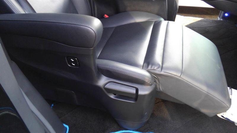 2012 Toyota Vellfire Hybrid ZR interior 11