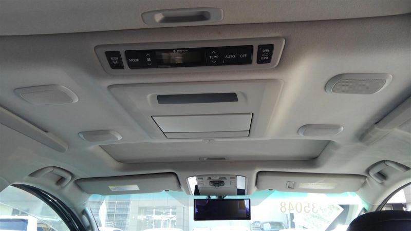2012 Toyota Vellfire Hybrid ZR interior 14