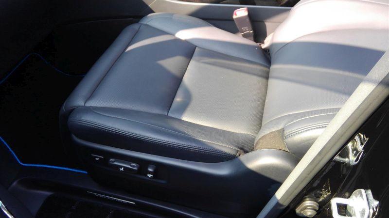 2012 Toyota Vellfire Hybrid ZR interior 17