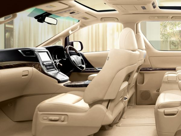 Toyota Alphard Hybrid G L Package interior 3