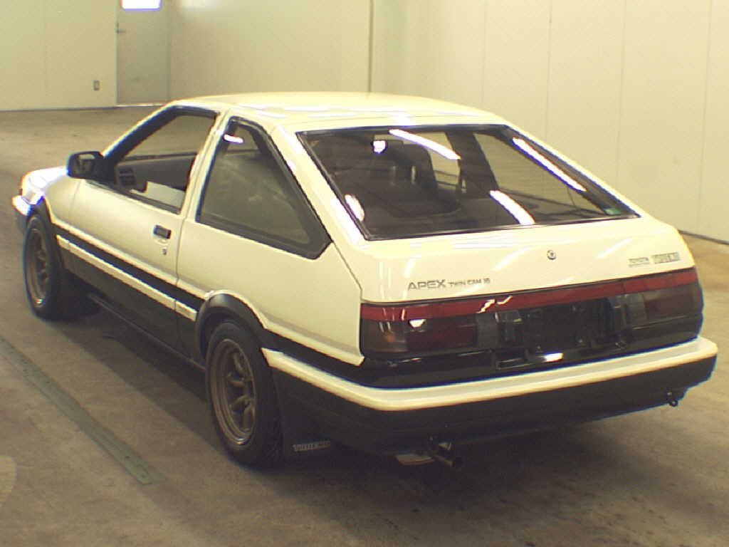 1986-toyota-sprinter-gt-apex-ae86-auction-rear