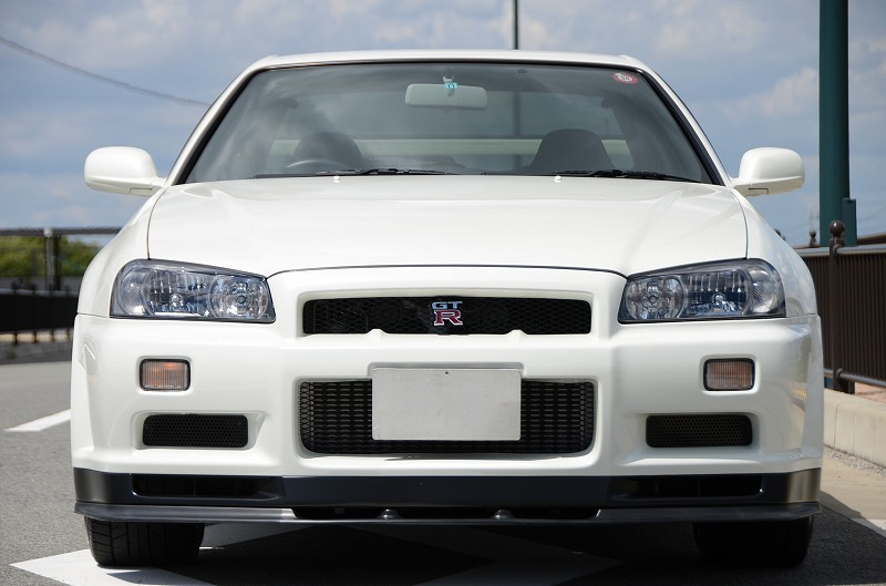 2001 Nissan Skyline R34 GTR front