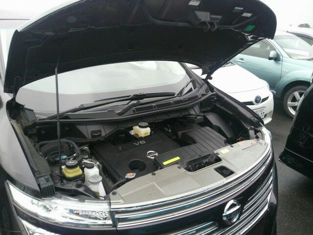 2010-nissan-elgrand-e52-highway-star-350-2wd-engine-4