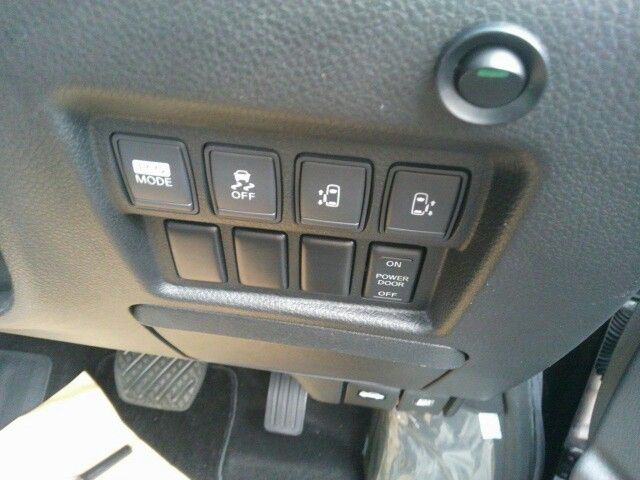 2010-nissan-elgrand-e52-highway-star-350-2wd-option-switches