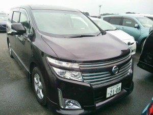 2010-nissan-elgrand-e52-highway-star-350-2wd-right-front