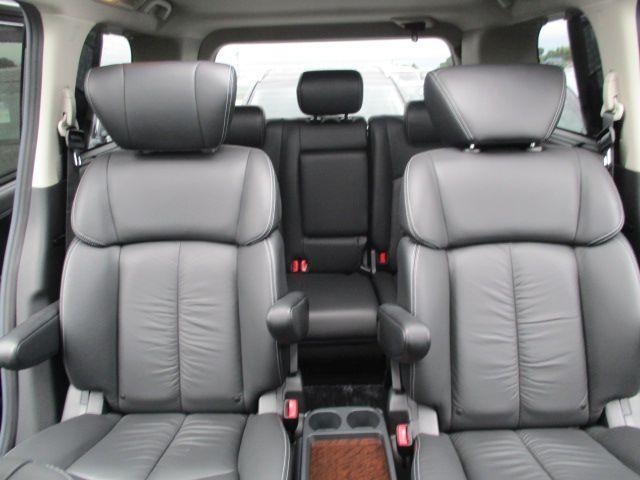 2011-nissan-elgrand-e52-vip-2wd-3-5l-interior-4