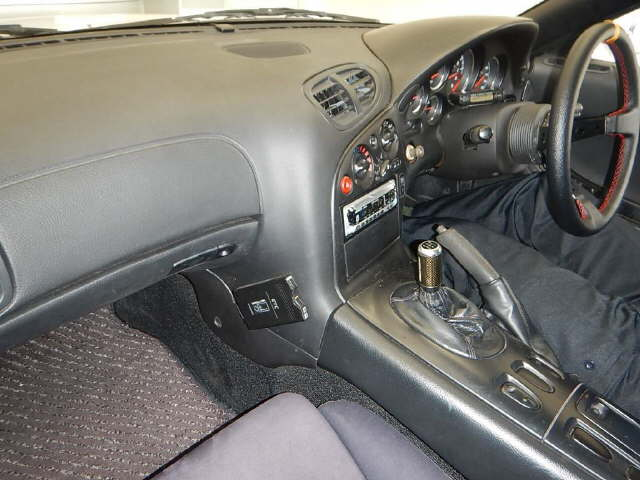 1992-mazda-rx-7-type-r-interior