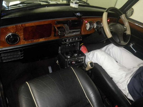 1997-rover-mini-cooper-interior