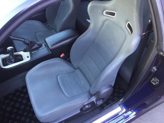 2000-r34-gtr-midnight-purple-3-front-seat