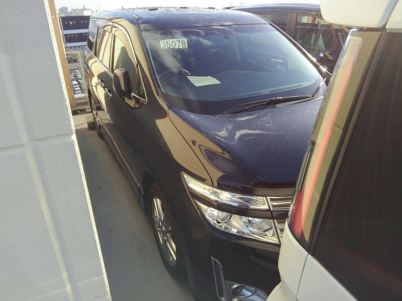 2011-nissan-elgrand-highway-star-350-4wd-28
