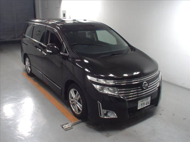 2011-nissan-elgrand-highway-star-350-4wd-44