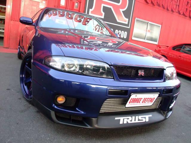 garage-defend-r33-gtr-demo-car-1