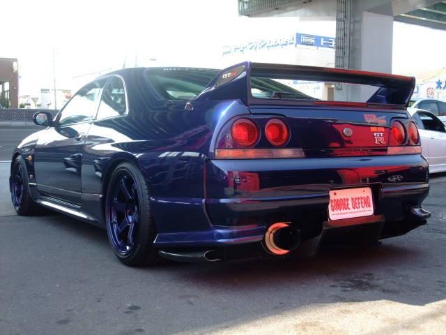 garage-defend-r33-gtr-demo-car-2