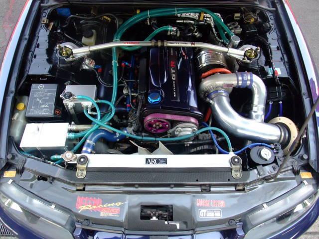 garage-defend-r33-gtr-demo-car-4