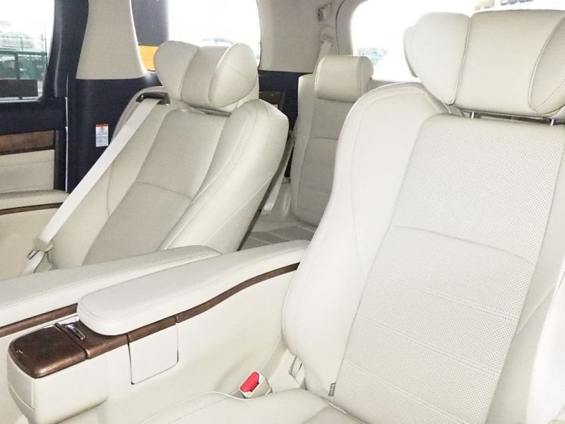 2016-toyota-alphard-hybrid-executive-lounge-30-series-interior-2