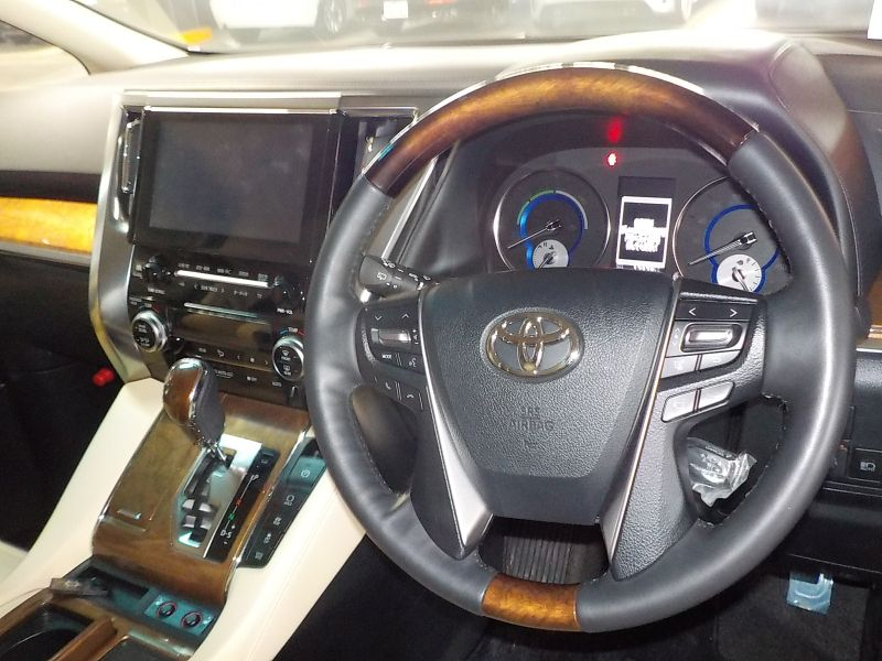 2016-toyota-alphard-hybrid-executive-lounge-30-series-steering-wheel-cruise-control