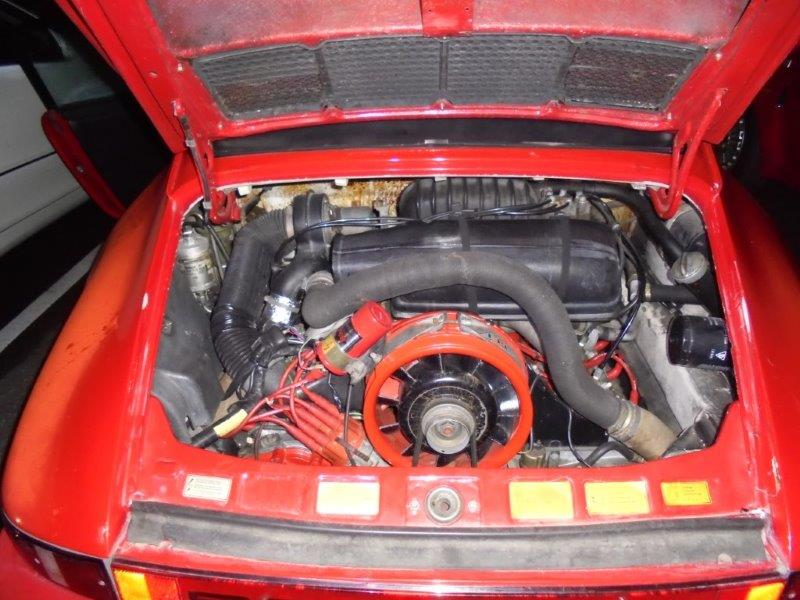 1981 Porsche 911 coupe engine bay