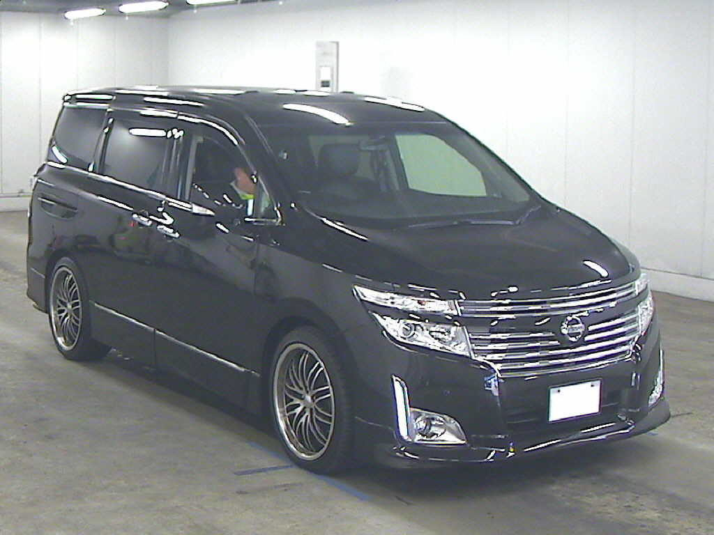 2011 Nissan Elgrand 350 E52 Highway Star Premium 2WD 3.5L front