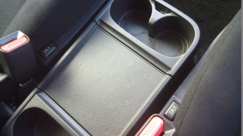 2016-Mitsubishi-Delica-D5-diesel-CV1W-4WD-centre-console