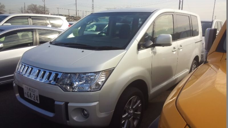 2016-Mitsubishi-Delica-D5-diesel-CV1W-4WD-left-front