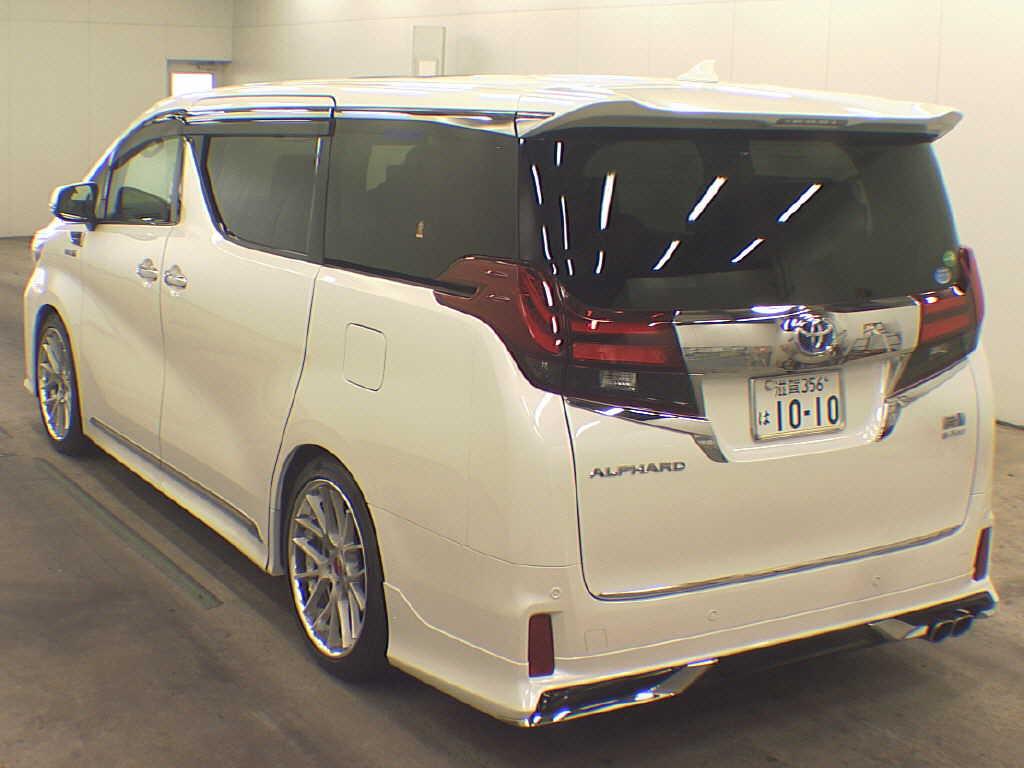 Alphard Hybrid rear
