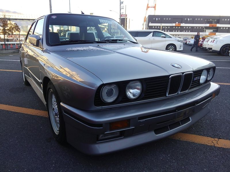 1987 BMW M3 E30 coupe front right low