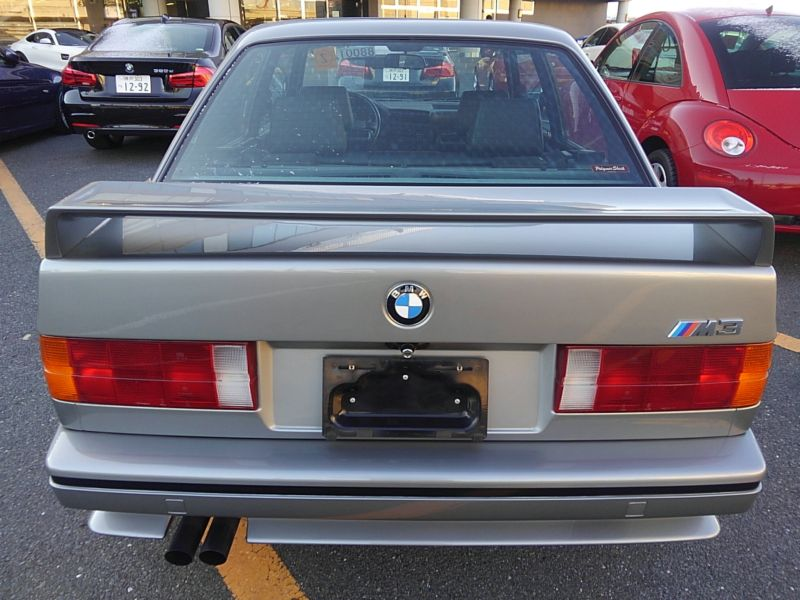 1987 BMW M3 E30 coupe rear