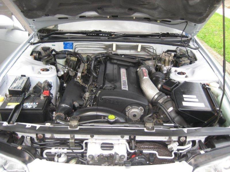 1993 R32 GTR silver engine 2