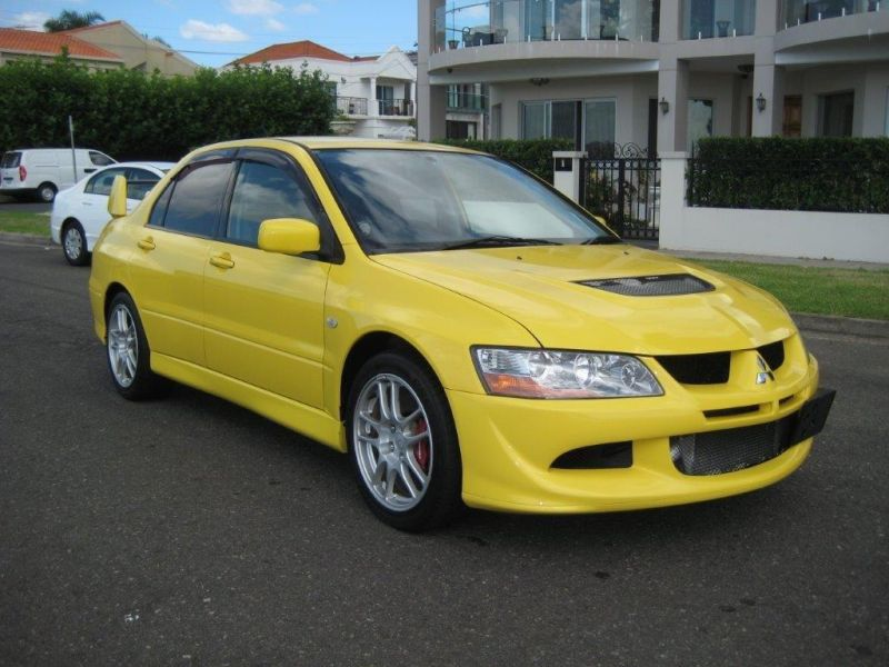 2003 Mitsubishi Lancer EVO 8 GSR yellow left front