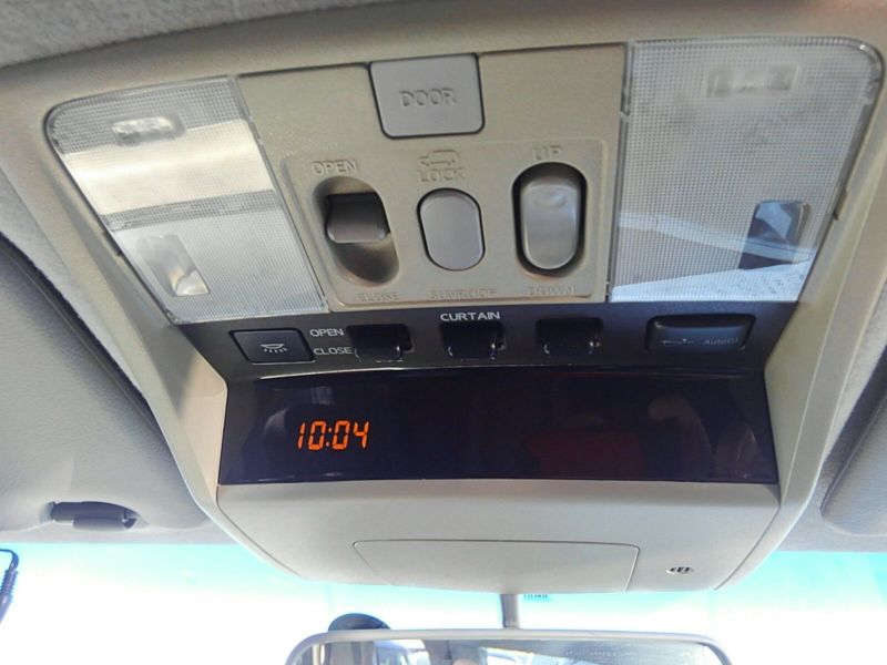 2003 Nissan Elgrand E51 Highway Star 2WD roof controls