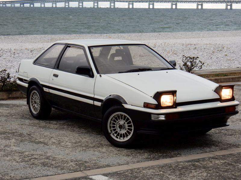 1985 Toyota Sprinter Treuno AE86 GT APEX front