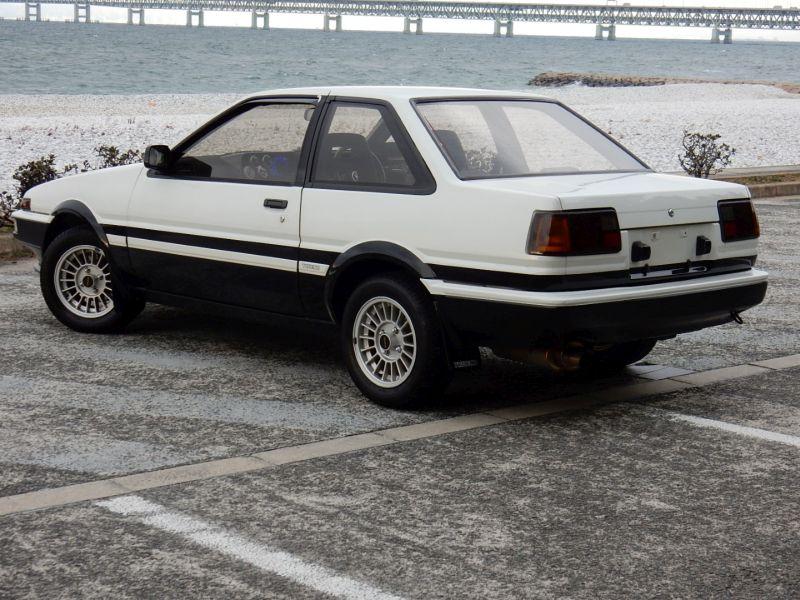 1985 Toyota Sprinter Treuno AE86 GT APEX rear