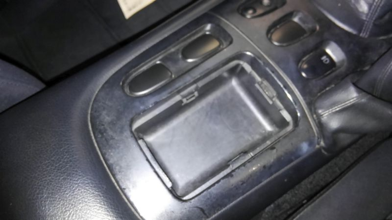 1992 Mazda RX-7 Type R console lid missing