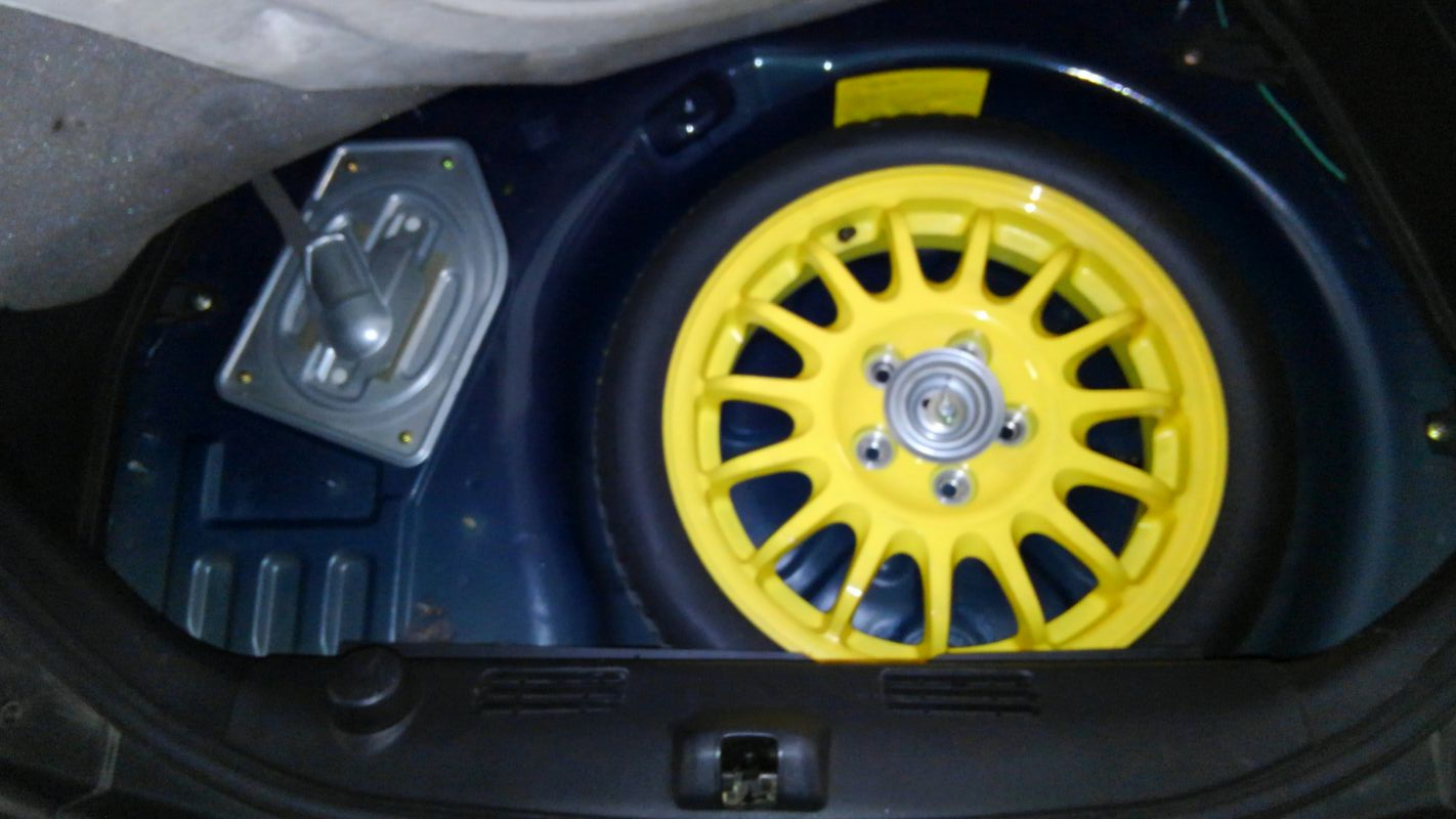 1992 Mazda RX-7 Type R spare tyre