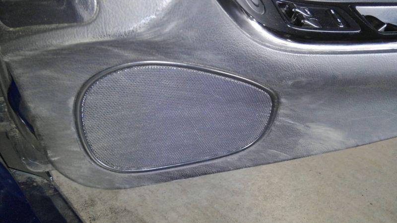 1992 Mazda RX-7 Type R speaker