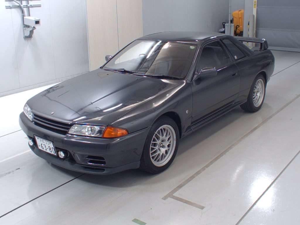 1993 Nissan Skyline R32 GTR VSpec left front