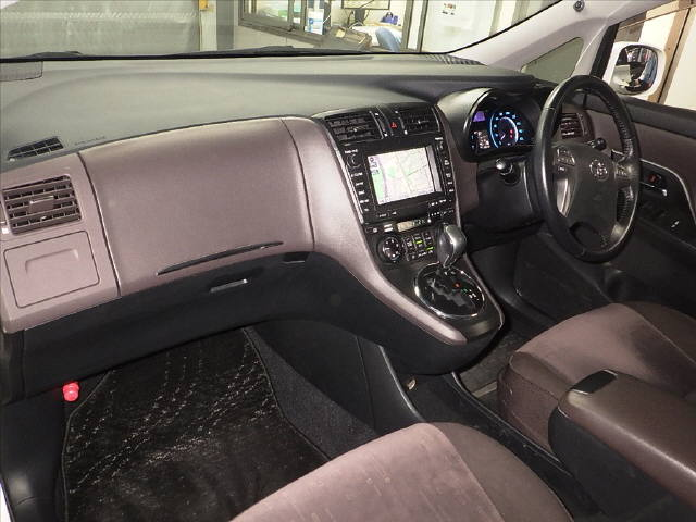 2007 Toyota Mark X ZIO 350G wagon auction interior 1
