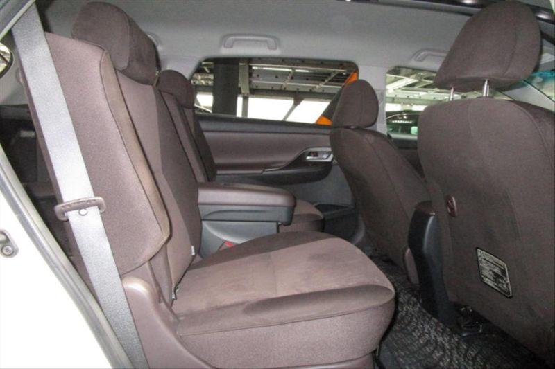 2007 Toyota Mark X ZIO 350G wagon seat