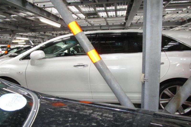 2007 Toyota Mark X ZIO 350G wagon side 2