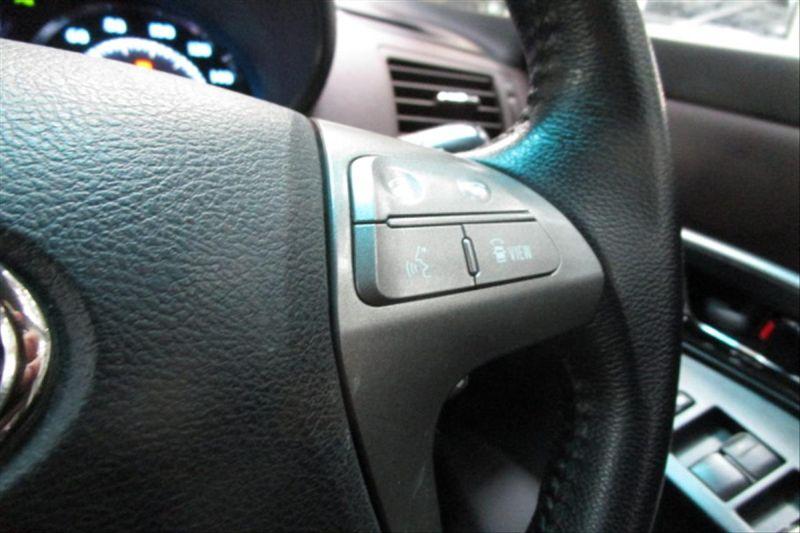 2007 Toyota Mark X ZIO 350G wagon steering wheel controls